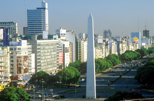 Avenida 9 de Julio, widest avenue in the world, and El Obelisco, The Obelisk, Buenos Aires, Argentina : Stock Photo