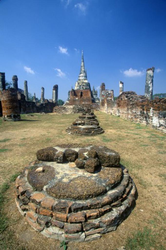 Stock Photo: 1599R-28876 Wat Chang Lom Ancient Buddhist Temple at Sri Satchanaiai Historical Park, Thailand