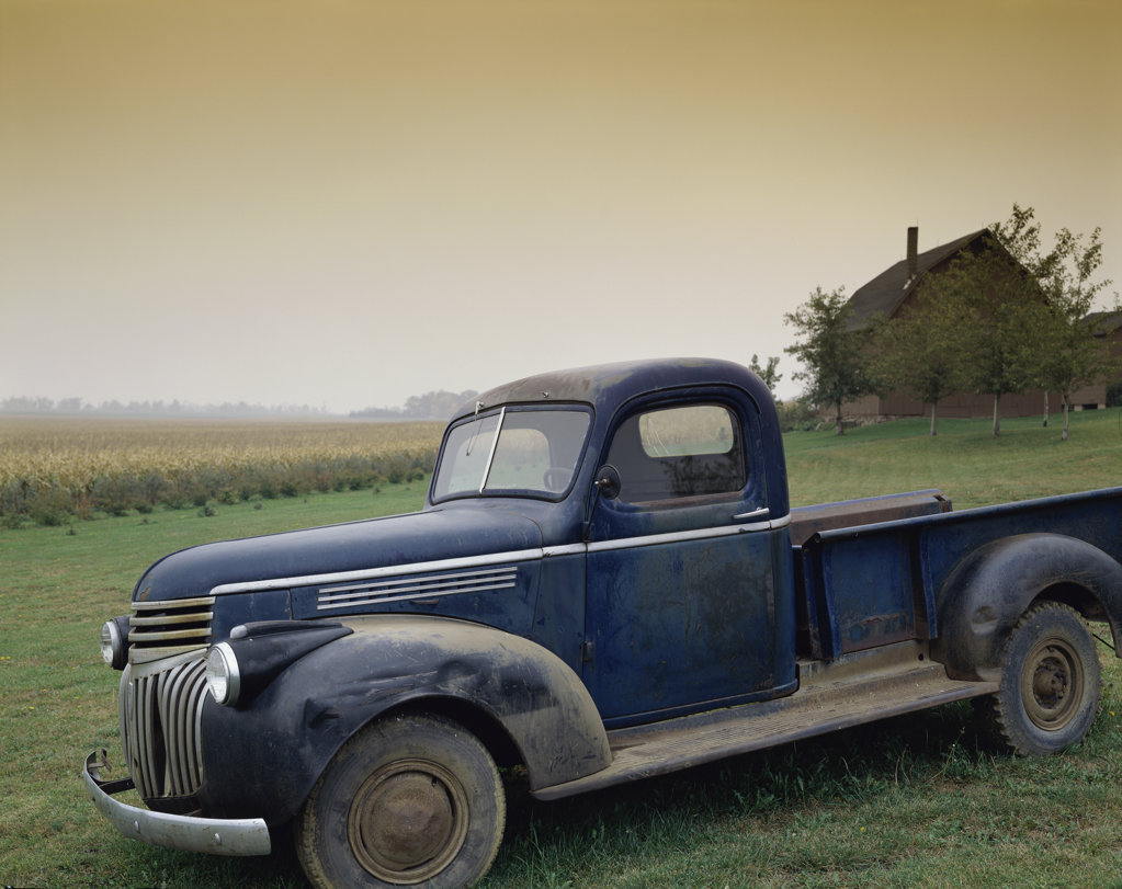 Stock Photo: 160-1235 Old Blue Truck