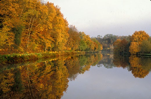 Stock Photo: 1606-10065 France, Brittany, Morbihan, Blavet river, canal
