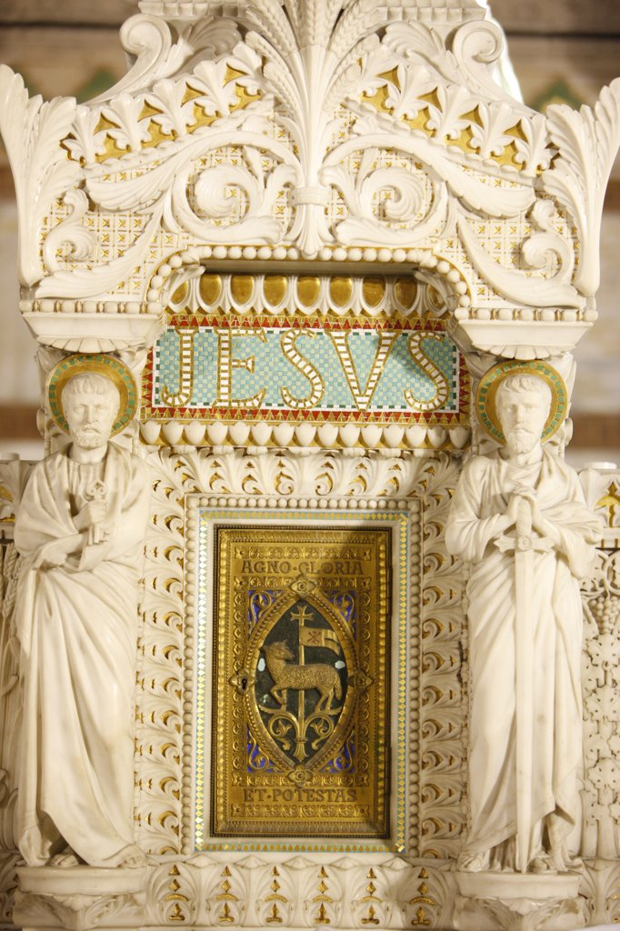 France, Lyon, Tabernacle in Fourvire basilica crypt : Stock Photo
