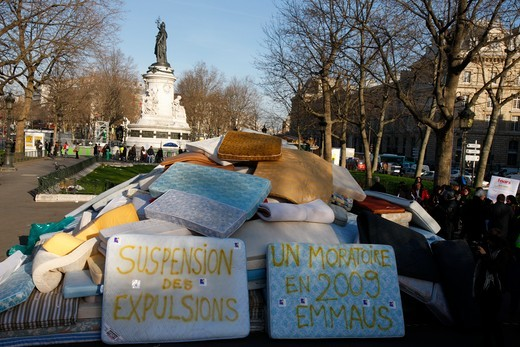 Stock Photo: 1606-101442 France, Paris, Demonstration by Emmaus N.G.O. against home evictions