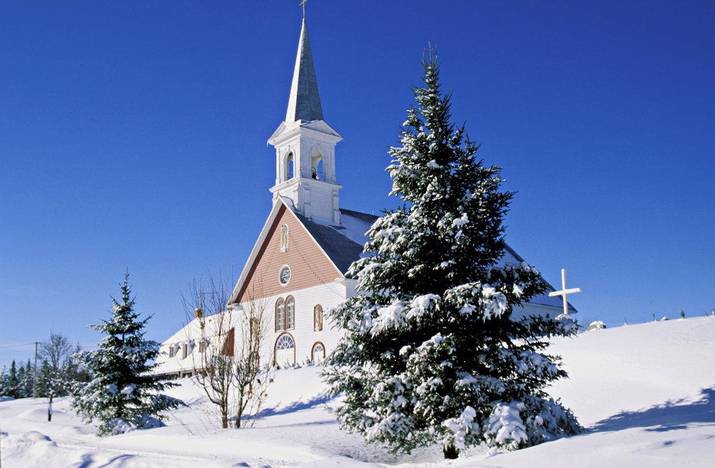 Canada, Quebec, Laurentides, Entrelacs, church : Stock Photo