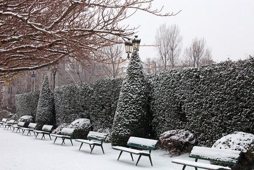 France, Paris in winter, Ile de la Cit, Square de l'Ile de France : Stock Photo