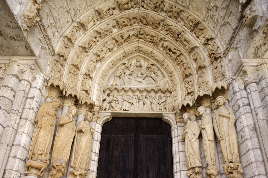 France, Eure-et-Loir, Chartres, Notre-Dame de Chartres cathedral.  North gate : Stock Photo