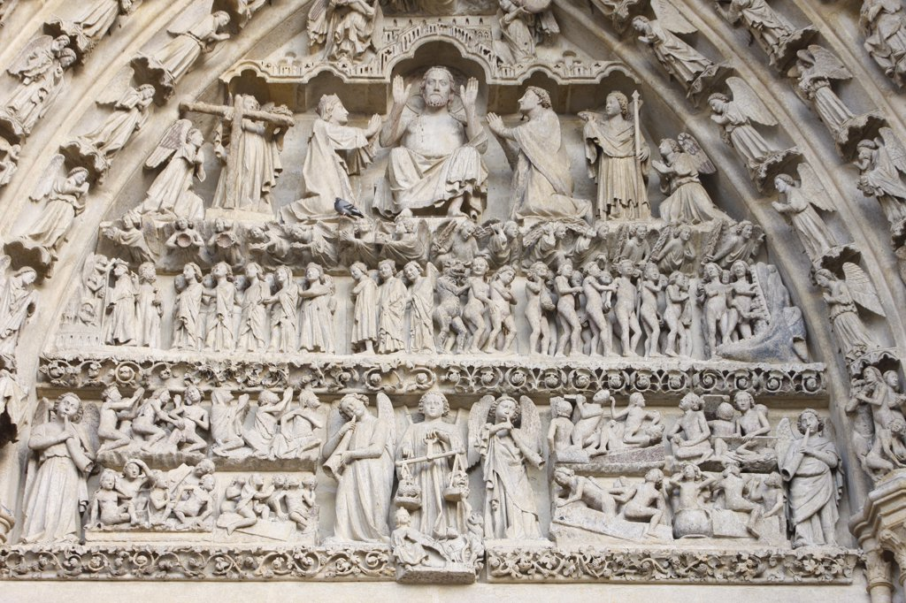 France, Somme, Amiens, Amiens cathedral. Central gate Last judgment tympanum : Stock Photo