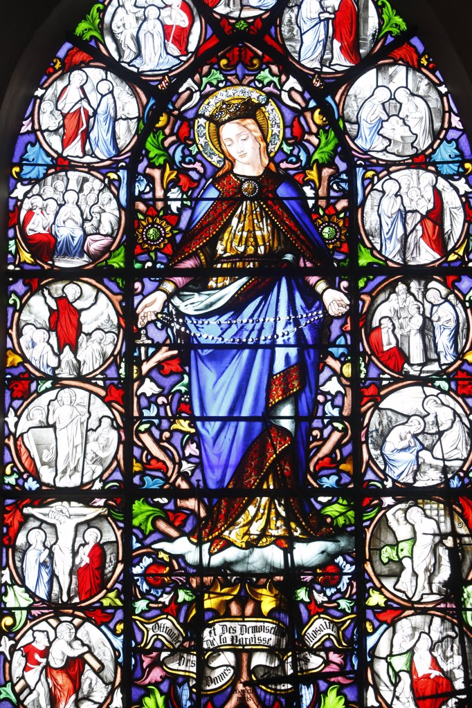 France, Somme, Saint-Valery-sur-Somme, Saint Martin's church Stained glass Christ's passion : Stock Photo