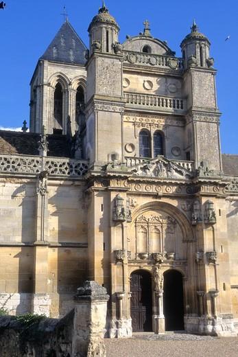 France, Paris-Ile-de-France, Val d'Oise (95), Vexin Francais (Natural parc) Vetheuil church : Stock Photo
