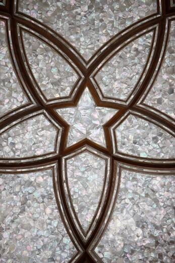 United Arab Emirates, Abu Dhabi, Abu Dhabi, Sheikh Zayed Grand Mosque. Flower motif made of mother of pearl. : Stock Photo