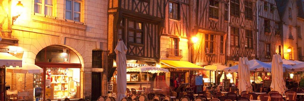 Stock Photo: 1606-114243 France, Centre, Indre et Loire, Tours, Plumereau square