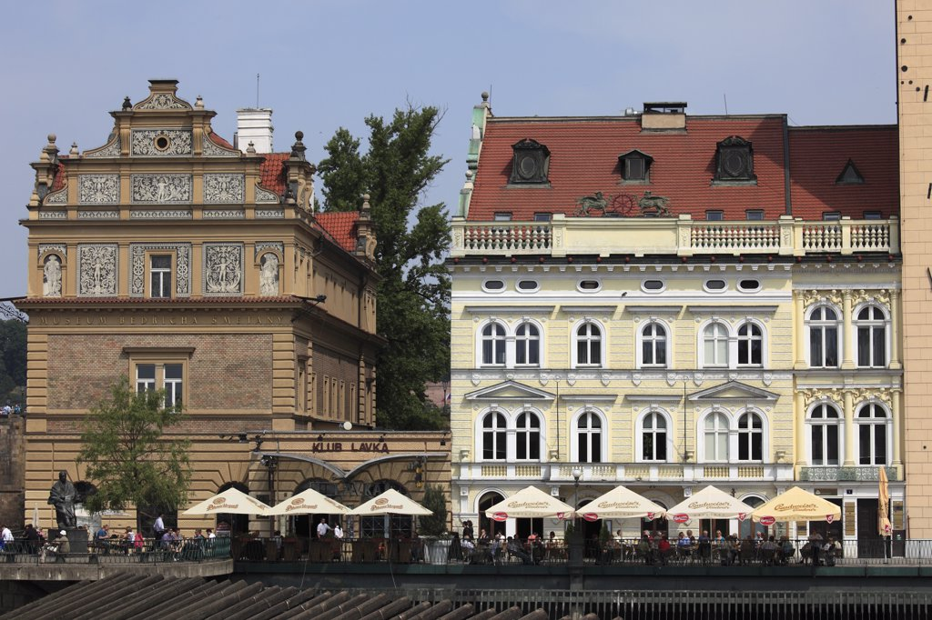 Stock Photo: 1606-114541 Czech Republic, Prague, Novotneho Lavka jetty, Smetana Museum