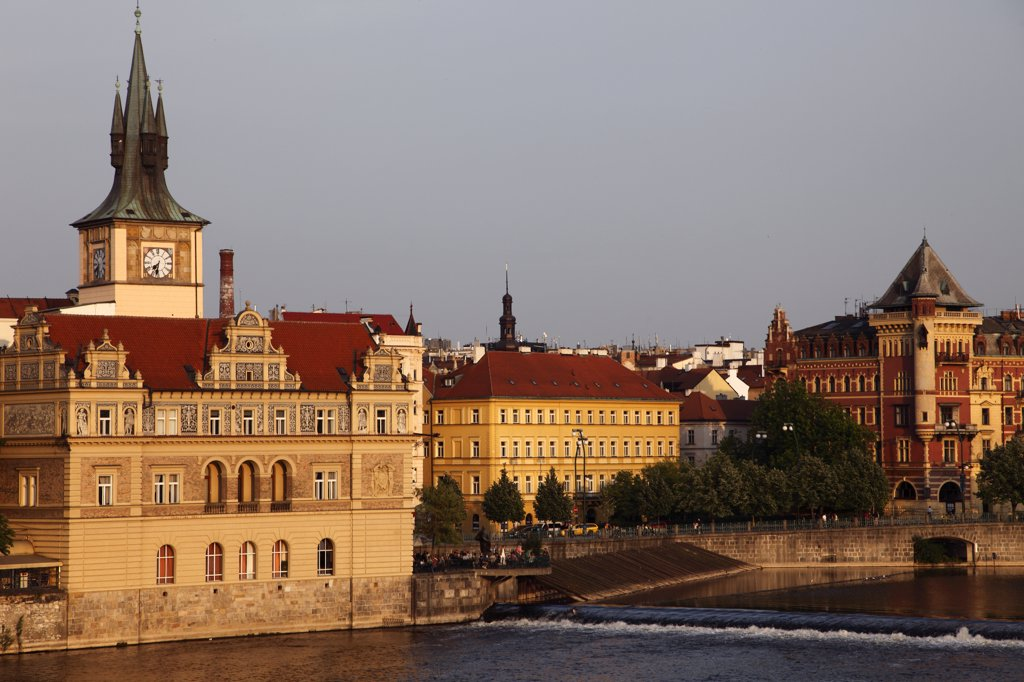 Stock Photo: 1606-114546 Czech Republic, Prague, Novotneho Lavka jetty, Smetana Museum, Vltava River