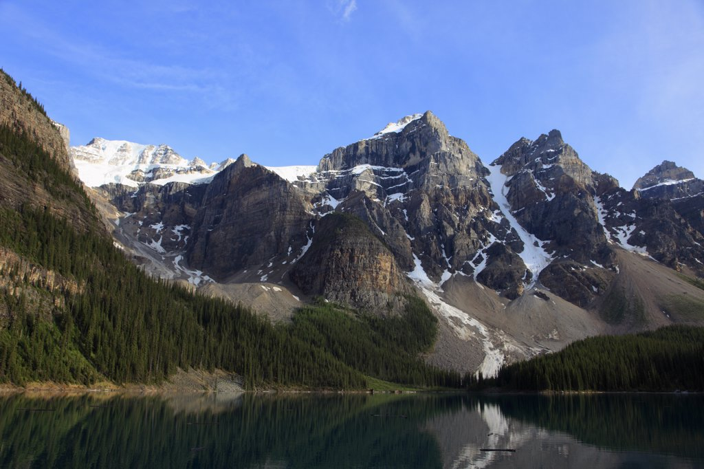 Stock Photo: 1606-114922 Canada, Alberta, Banff National Park, Moraine Lake, Rocky Mountains