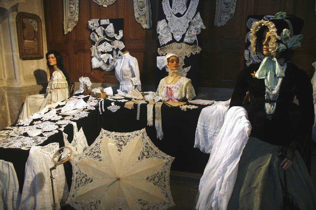 France, Franche-Comt?, Doubs (25), La Loue valley, Ornans, Costume comtois museum : Stock Photo