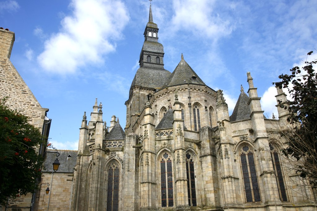 Stock Photo: 1606-115453 France, Brittany, Cote d'Armor, Dinan (Rance valley), medieval city, Saint Sauveur basilica