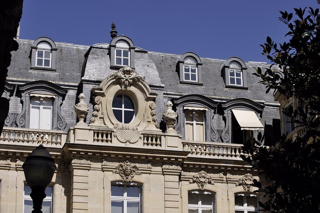France, Paris, Monceau park, town house : Stock Photo
