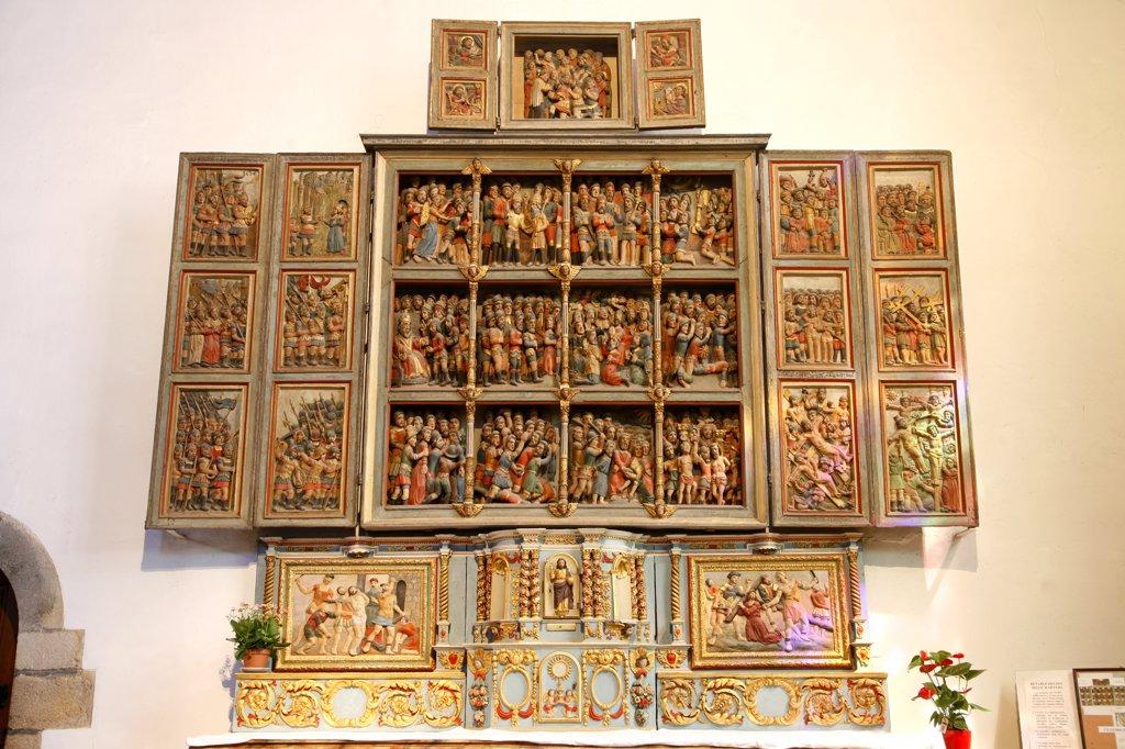 France, Brittany, Finistere (29), Crozon peninsula, Crozon-Morgat, Saint Pierre church, altarpiece from 1602 : Stock Photo