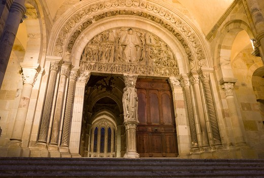 Stock Photo: 1606-116427 France, Burgundy, Sa?ne et Loire, Autun, St Lazare cathedral