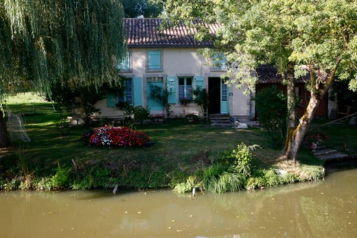 Stock Photo: 1606-116750 France, Poitou-Charentes, Deux Sevres ( 79 ), Ar?ais
