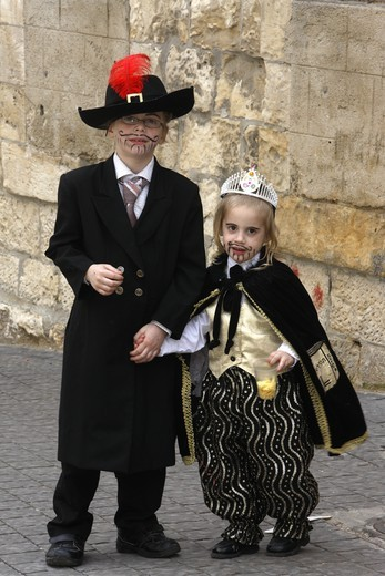 Israel, Jerusalem, Children dressed for Purim holiday in Mea Shearim Jewish orthodox district : Stock Photo