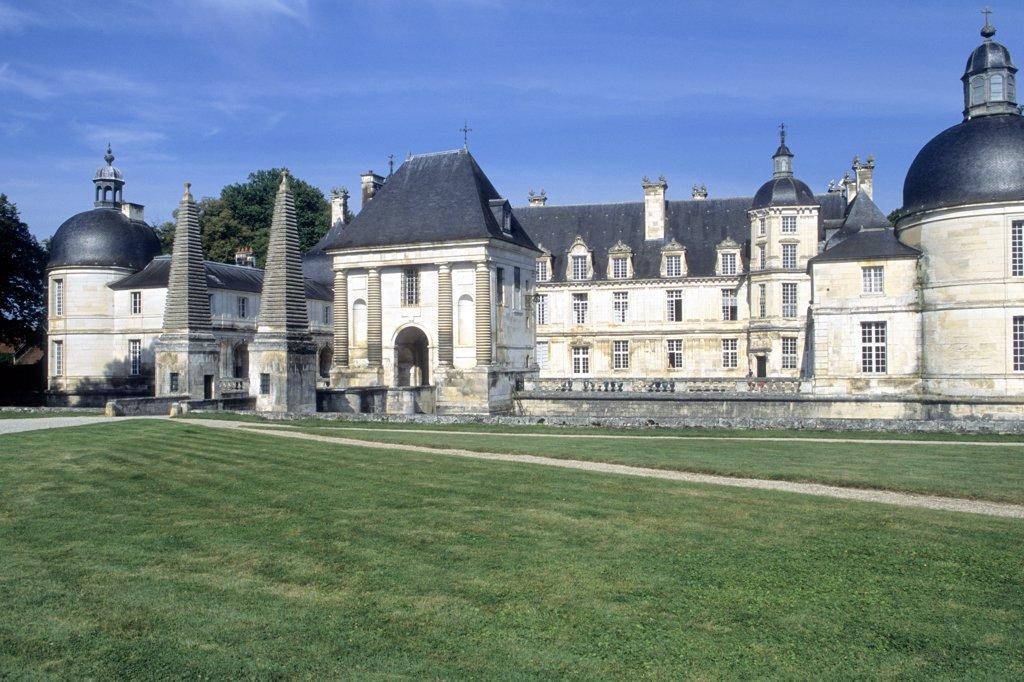Stock Photo: 1606-119255 France, Burgundy, Yonne (89), Tanlay castle