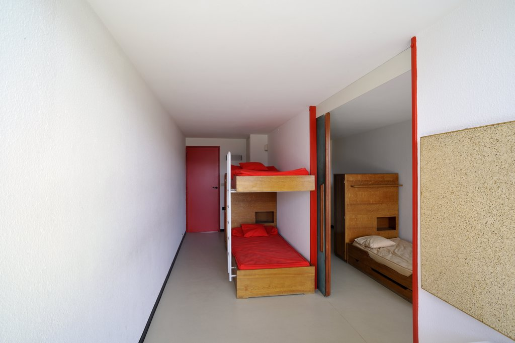 Stock Photo: 1606-119817 France, Rh?ne-Alpes, Loire, Firminy, unit? d'habitation (Architect : Le Corbusier)