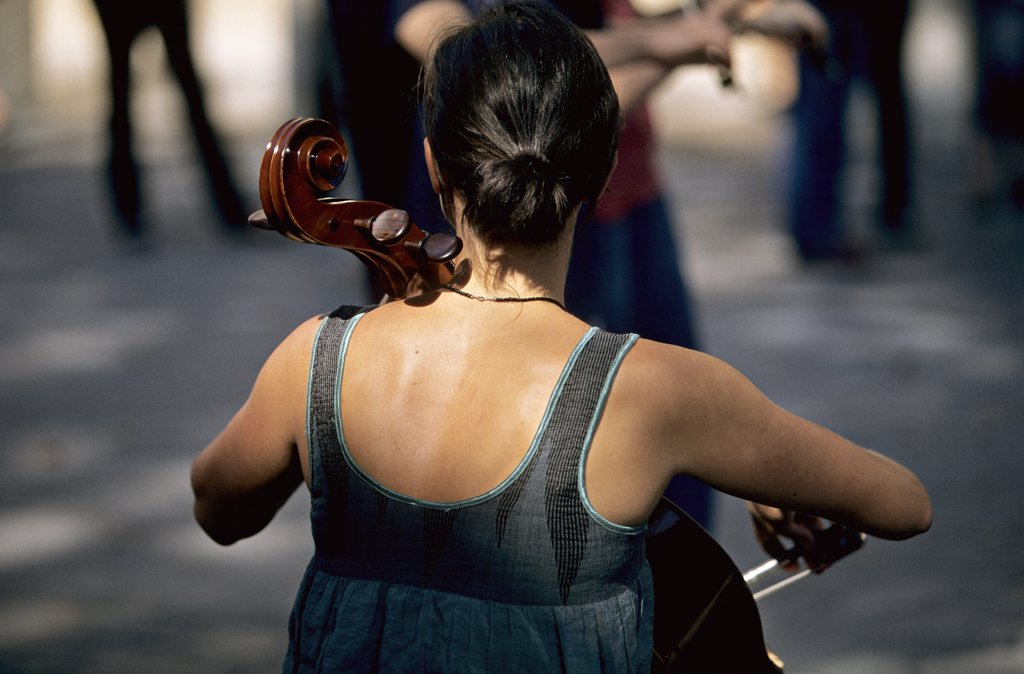France, Paris, Palais Royal, cellist : Stock Photo