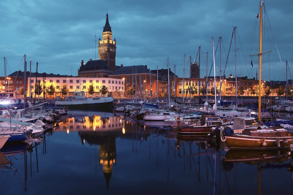 Stock Photo: 1606-120408 France, Nord, Dunkerque, harbour, town hall belfry