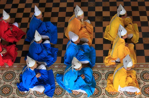 Stock Photo: 1606-126411 Vietnam, Tay Ninh, Cao Dai Great Temple, prayer session, people