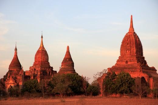 Myanmar, Burma, Bagan, small temples on the plain : Stock Photo