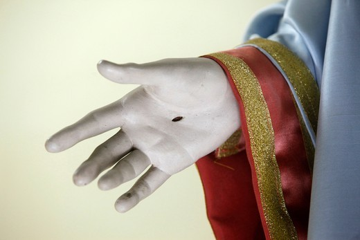 Stock Photo: 1606-127652 Italie, Campanie, Naples, Sculpture detail : stigma on Christ's hand   Italia.