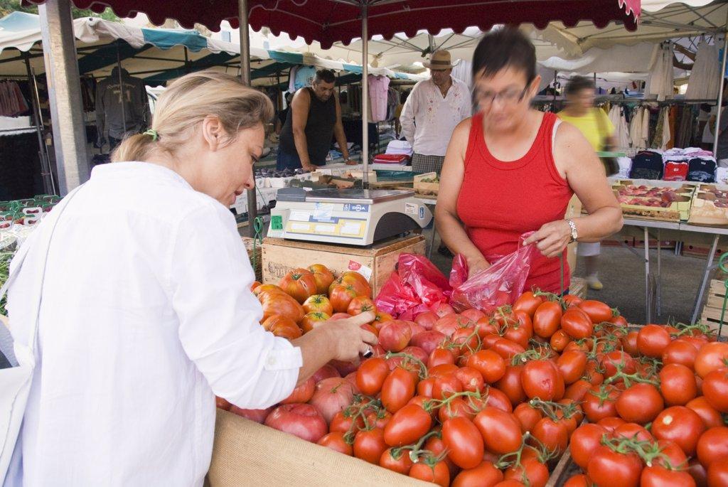 France, Var, Riviera, Saint Tropez market day in summer : Stock Photo