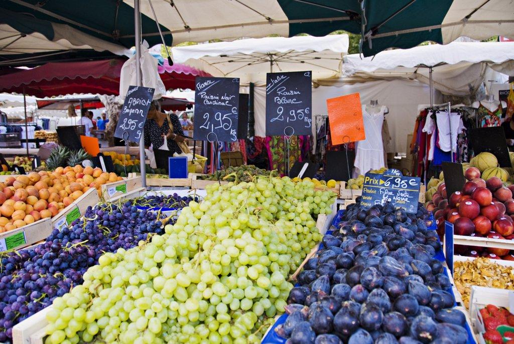 Stock Photo: 1606-128242 France, Var, Riviera, Saint Tropez market day in summer