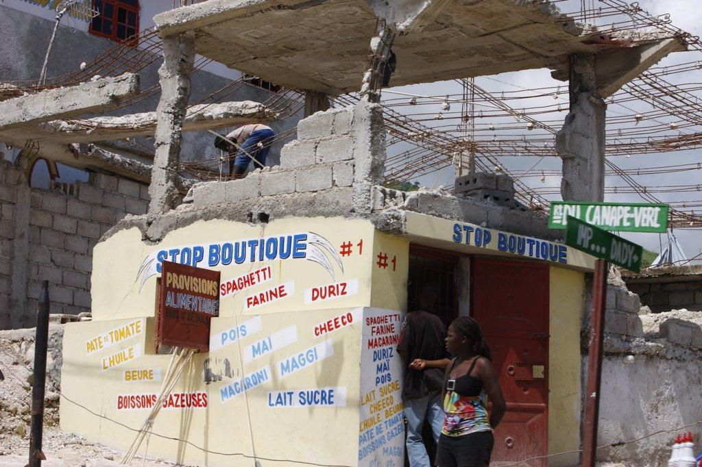 Haiti, Port-au-Prince. Life in  Port au Prince after the 2010 quake. Haiti. June 2010. : Stock Photo