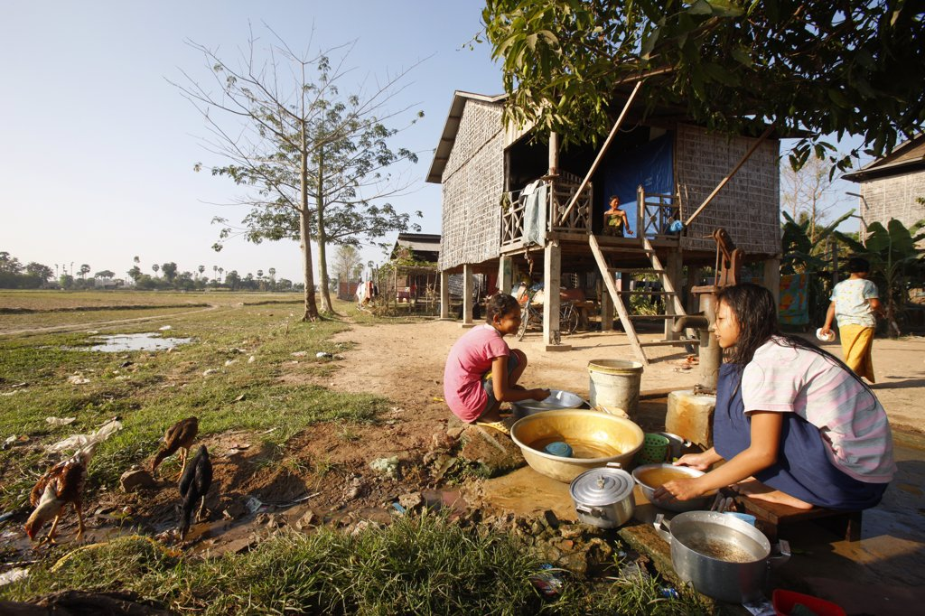 Cambodia, Siem Reap, Siem Reap. Daily life in a cambodian village. Water supply.  Cambodia. : Stock Photo