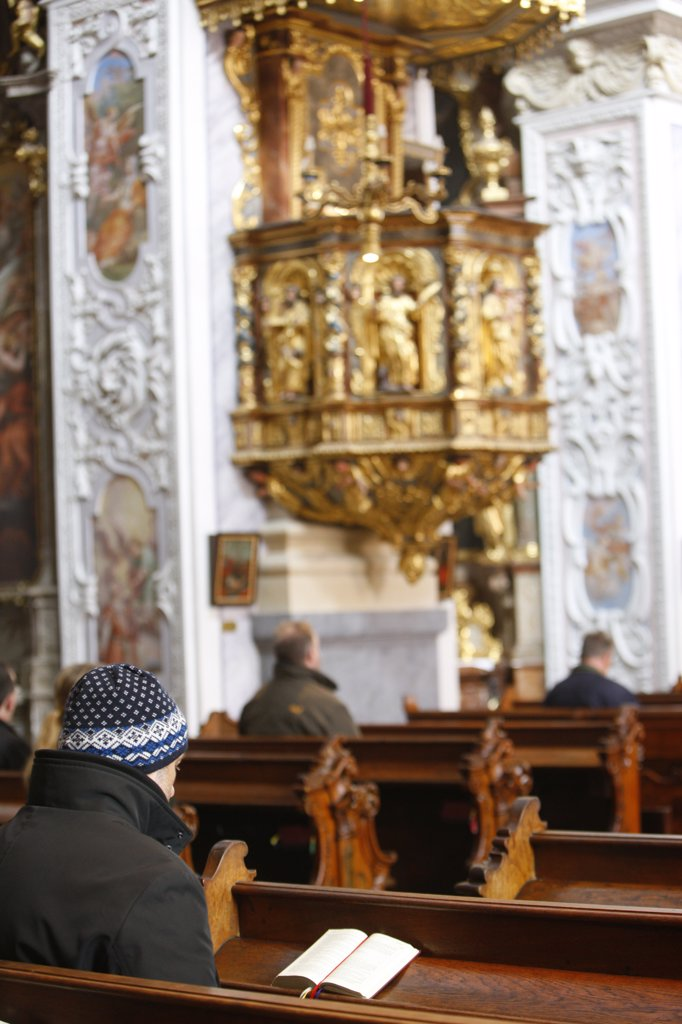 Stock Photo: 1606-129376 Austria, Lower Austria, Gottweig. Gottweig benedictine abbey.  Good friday service Austria.