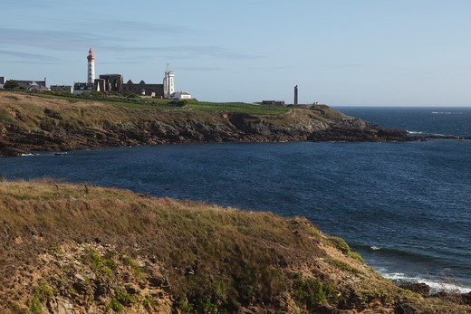 Stock Photo: 1606-133111 France, Brittany, Finistere (29), Plougonvelin, Saint Mathieu point, lighthouse and old abbey