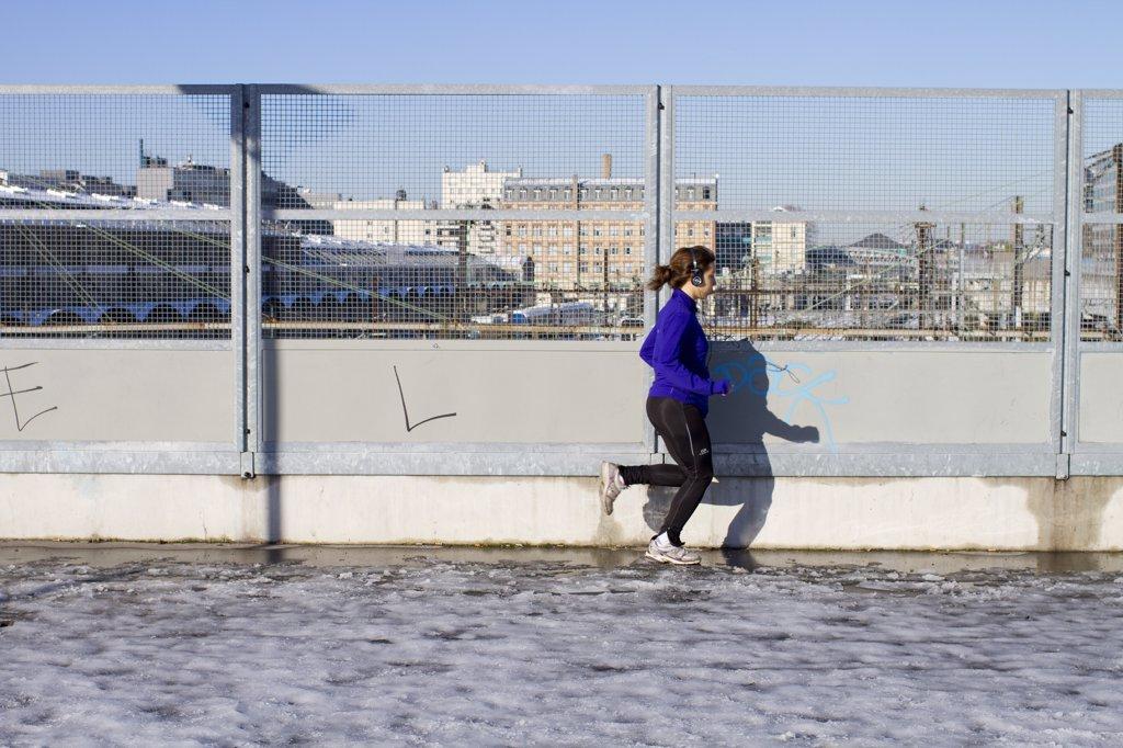 Stock Photo: 1606-133516 France, Paris, jogging
