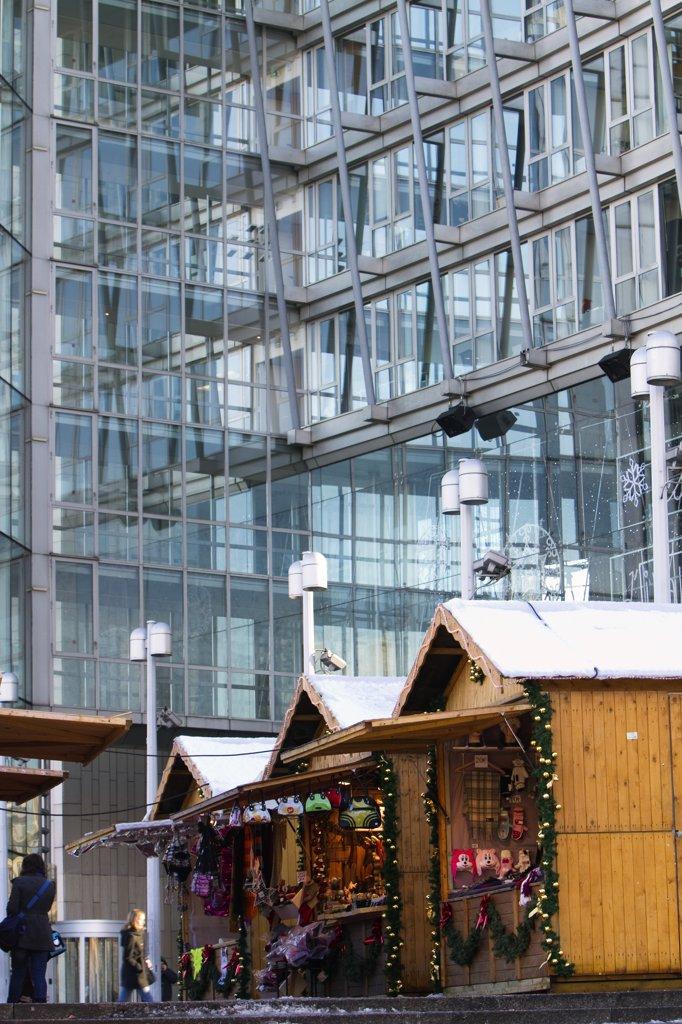 Stock Photo: 1606-133533 France, Paris, Place d'Italie, Christmas market