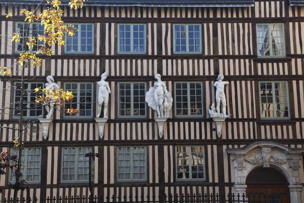 Stock Photo: 1606-133735 France, Normandy, Upper Normandy, Seine Maritime (76), Rouen, Amiens street, hotel d'Etancourt (17th century)