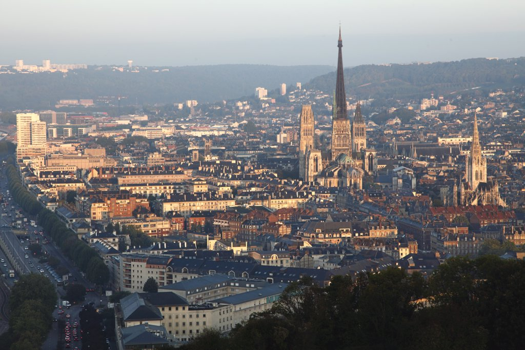 Stock Photo: 1606-133779 France, Normandy, Upper Normandy, Seine Maritime (76), Rouen, Notre Dame cathedral and old city
