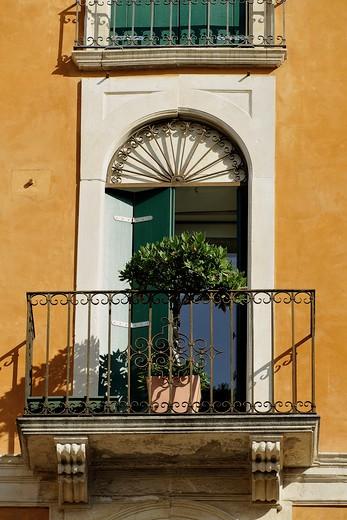 Stock Photo: 1606-134515 Italy, Veneto, Vicenza, balcony