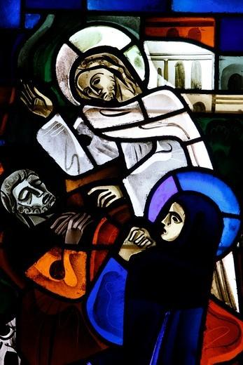 France, Loir-et-Cher, Blois. Stained glass in Notre-Dame-de-la-Trinité church. Saint Joseph's death France : Stock Photo