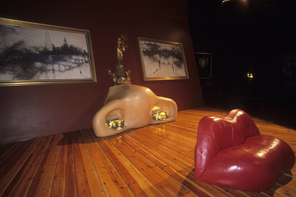 Spain, Catalonia, Figueres (Alt Emporda, Girona province), theatro-musee of Salvador Dali, salle Mae West : Stock Photo