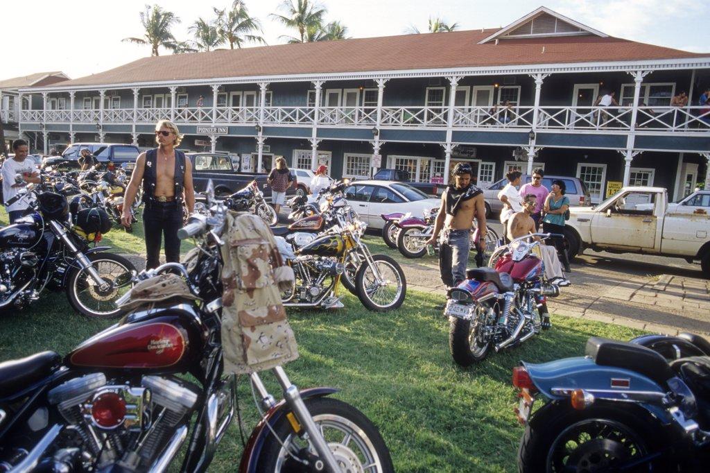 USA, Hawaii, Maui island, Lahaina, Pioneer Inn (hotel, restaurant), and Harley Davidson rally : Stock Photo