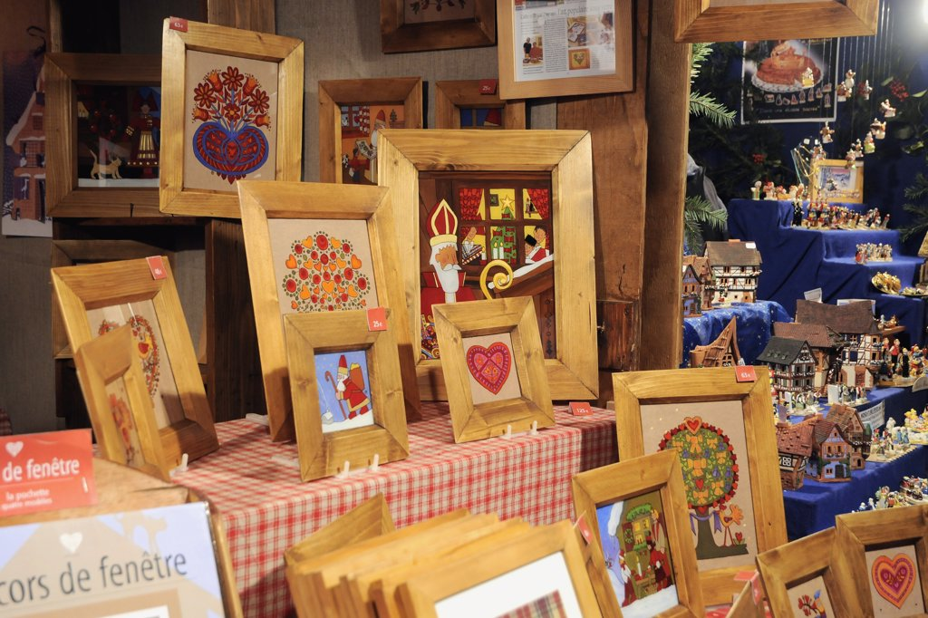 Stock Photo: 1606-138715 Eastern France, Alsace, Kaysersberg, Christmas market