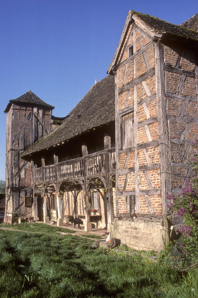 Stock Photo: 1606-139719 France, Burgundy, Saone-et-Loire (71), Bresse country, Juif (Louhans area), farm from 18th century
