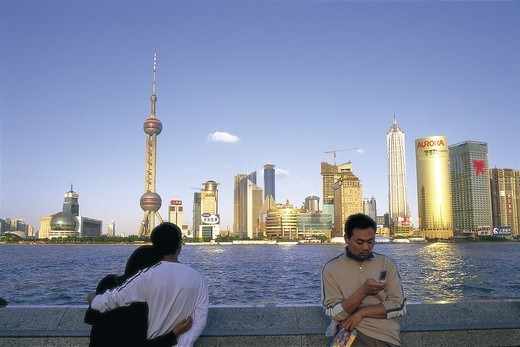 Stock Photo: 1606-140927 China, Shanghai, Pudong Skyline and Huangpu River