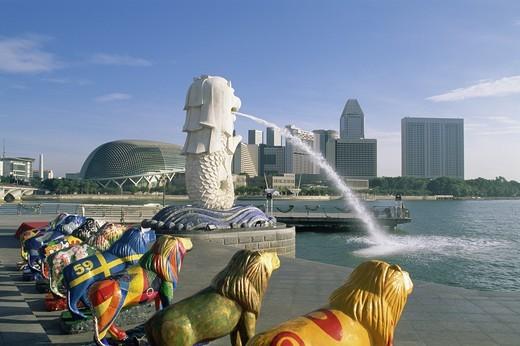 Singapore,Merlion Statue and Suntec City Skyline : Stock Photo