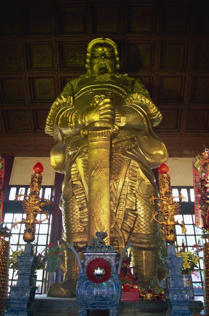 Stock Photo: 1606-143982 China,Hong Kong,Kowloon,Sha Tin,Che Kung Temple,Statue of Che Kung